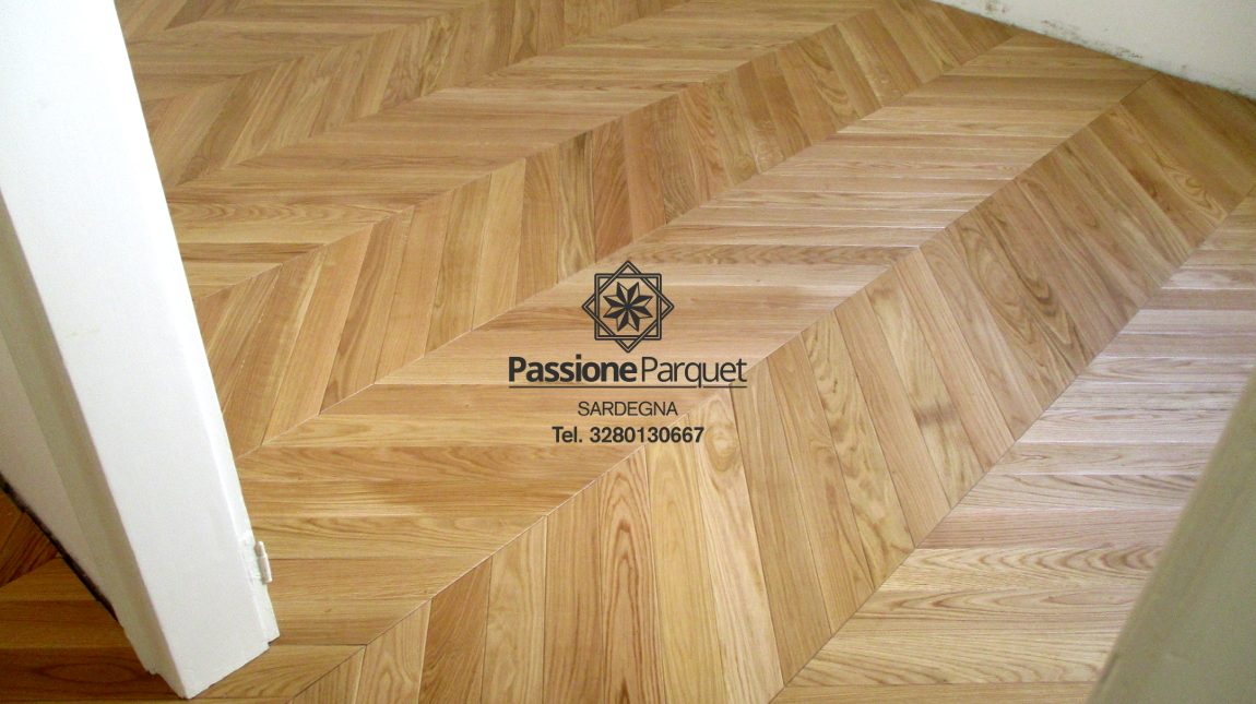 Posa parquet massello in rovere.